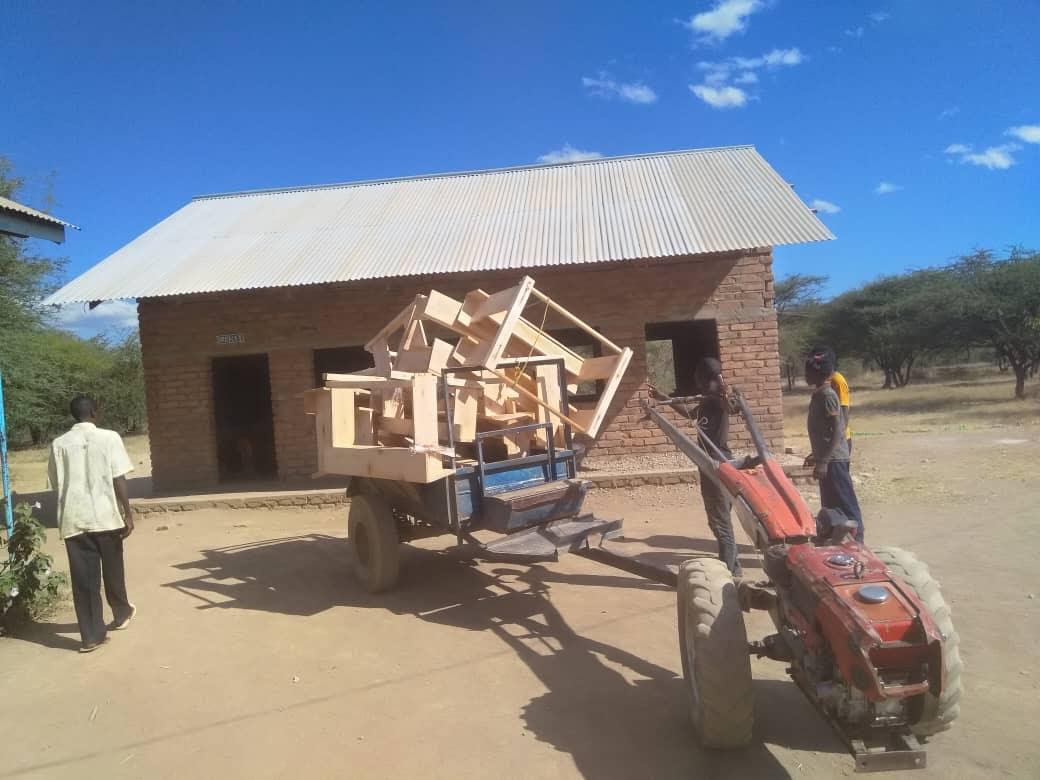 Svépomocné skupiny pomohly škole v Utengule